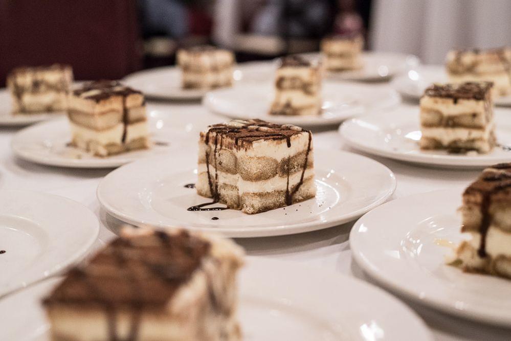 tiramisu; Italian desserts; wine