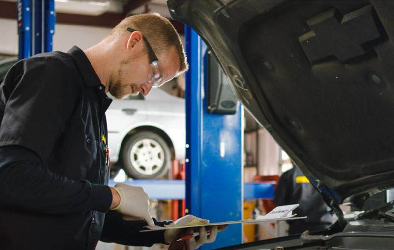 Meineke Car Care Center can run diagnostic tests on your cars' engine