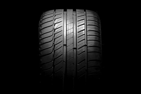 Tire tread image; tread test; Midas auto service; new tires; Chicago, IL