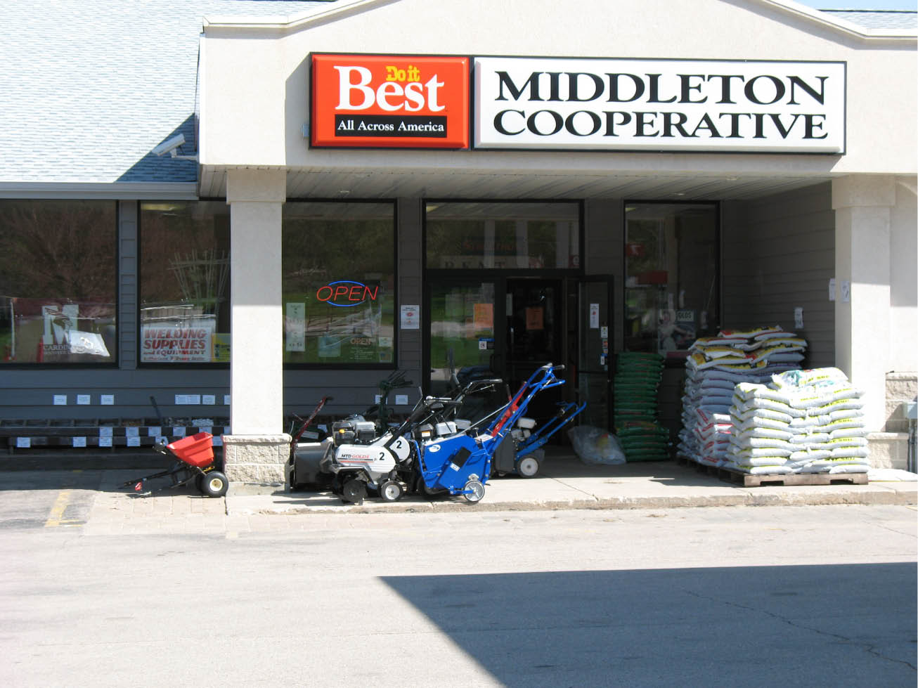 Middleton Farmers Cooperative storefront in Middleton WI