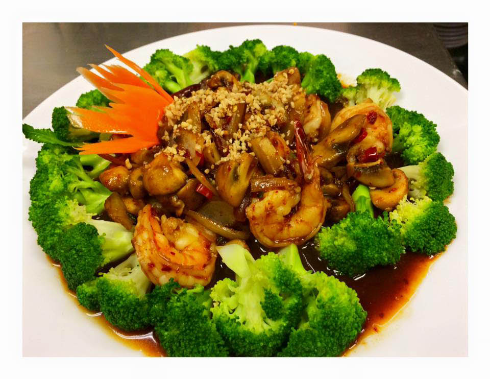 Shrimp and broccoli sweet and sour in North Aurora