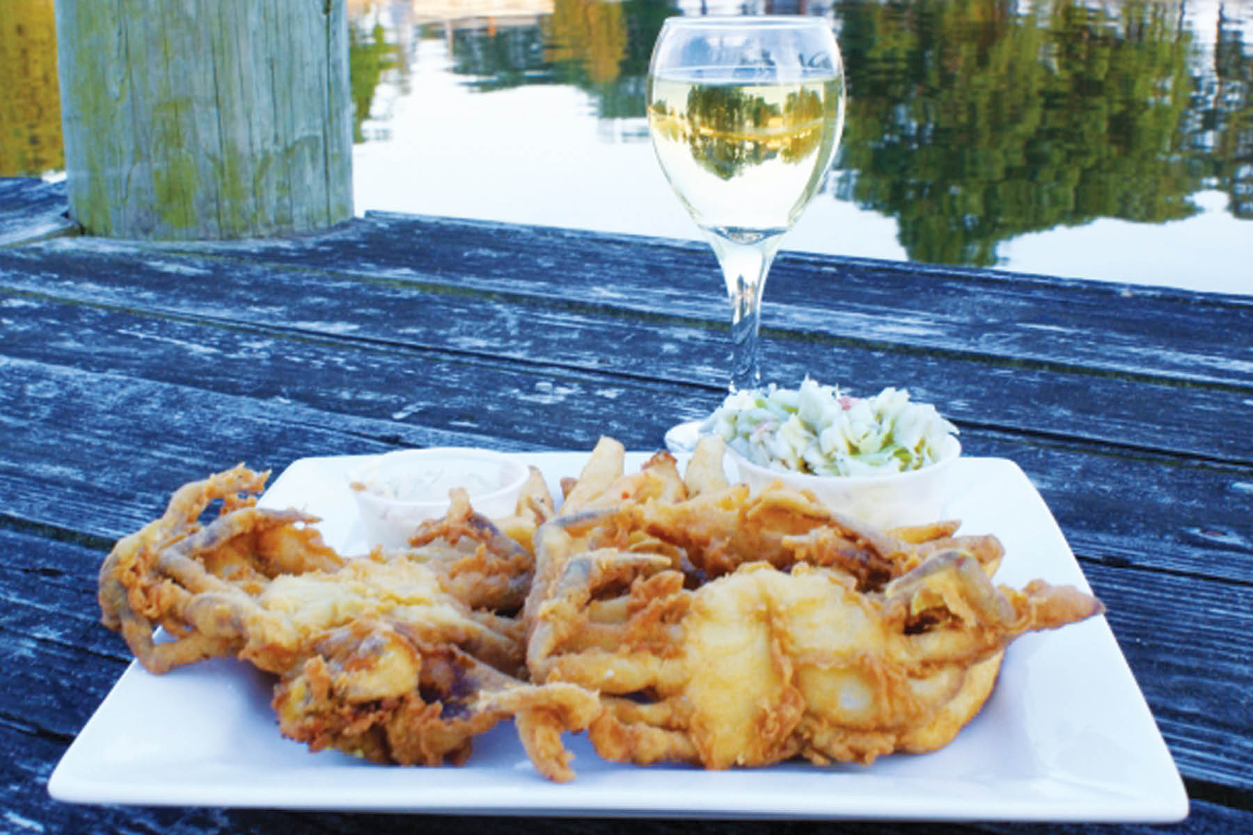 soft shell crabs, waterfront dining, wine, beer, seafood, crab cakes