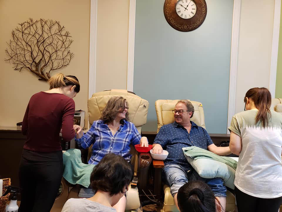 Manicures, Shellac, Gel Polishes, Paraffin Treatment and more - manicures for women and men - pedicures for women & men - husband and wife getting mani pedis from Serenity Nails & Day Spa in Mukilteo, Washington