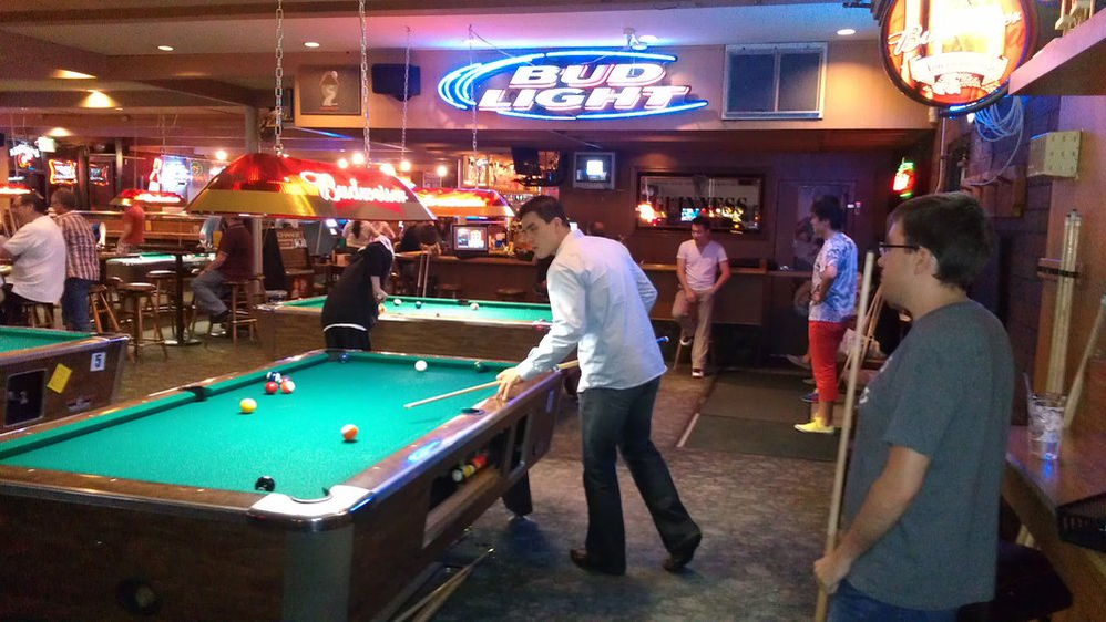 Mustard Seed Grill & Pub in Bellevue, WA - pull tables - darts - pool leagues - darts leagues - bar & grill in Bellevue - Bellevue sports bar