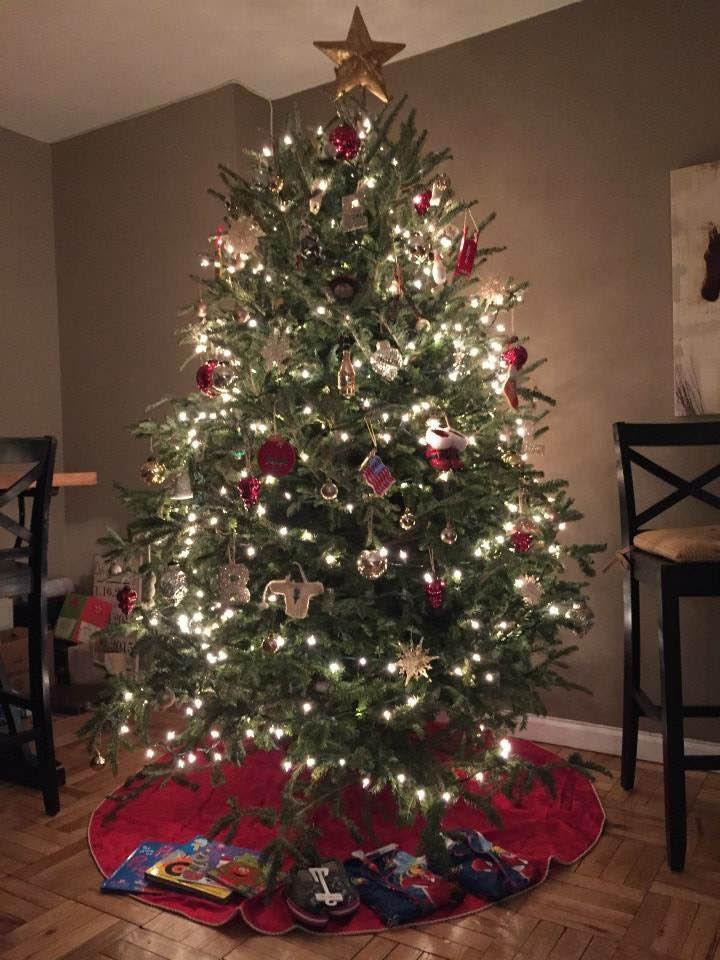 Cheap Christmas tree installation services near Gershwin Theatre