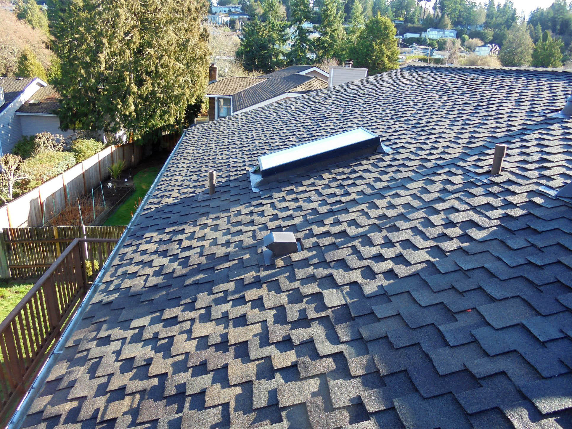 Beautiful new roof installed by North Creek Roofing in Mill Creek, WA