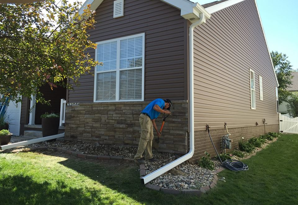 new gutters and vinyl siding near Lincoln, NE