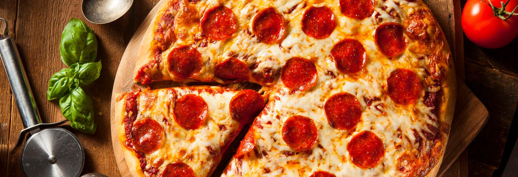 Nicolo's Chicago-Style Pizza in Lakewood banner