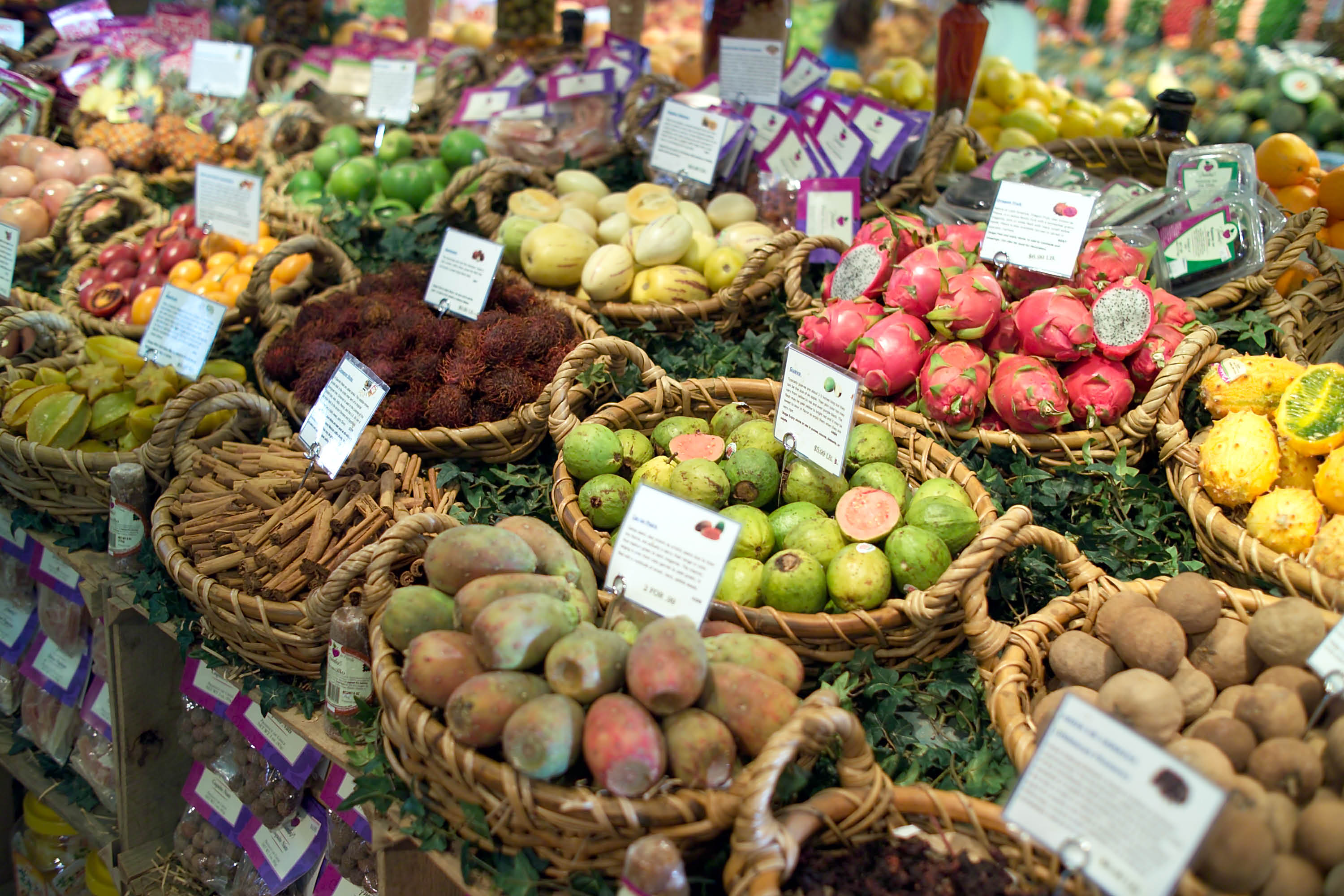 photo of fruit and produce at Nino Salvaggio in Troy, St. Clair Shores and Clinton Township, MI