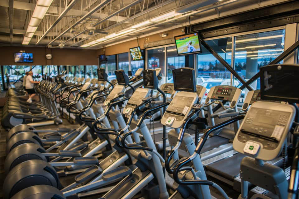Tons of treadmills and other fitness equipment at North Hill Fitness in Edgewood, Washington - fitness club coupons near me - health club coupons near me - fitness club with treadmills