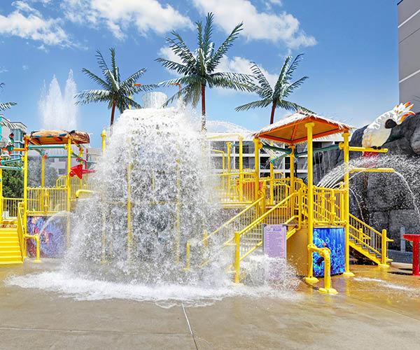 Oceanfront hotel water park for kids