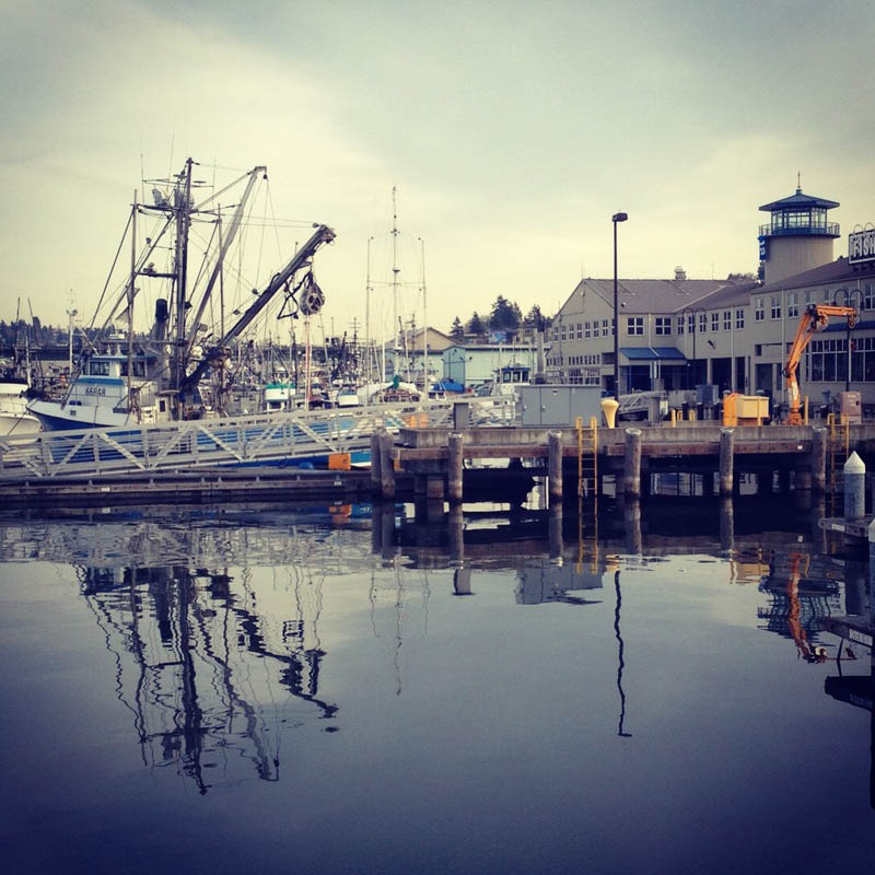 Enjoy a beautiful water views at Seattle's Fishermen's Terminal as you dine at the Highliner Public House restaurant - dining in Seattle - restaurants in Seattle, WA