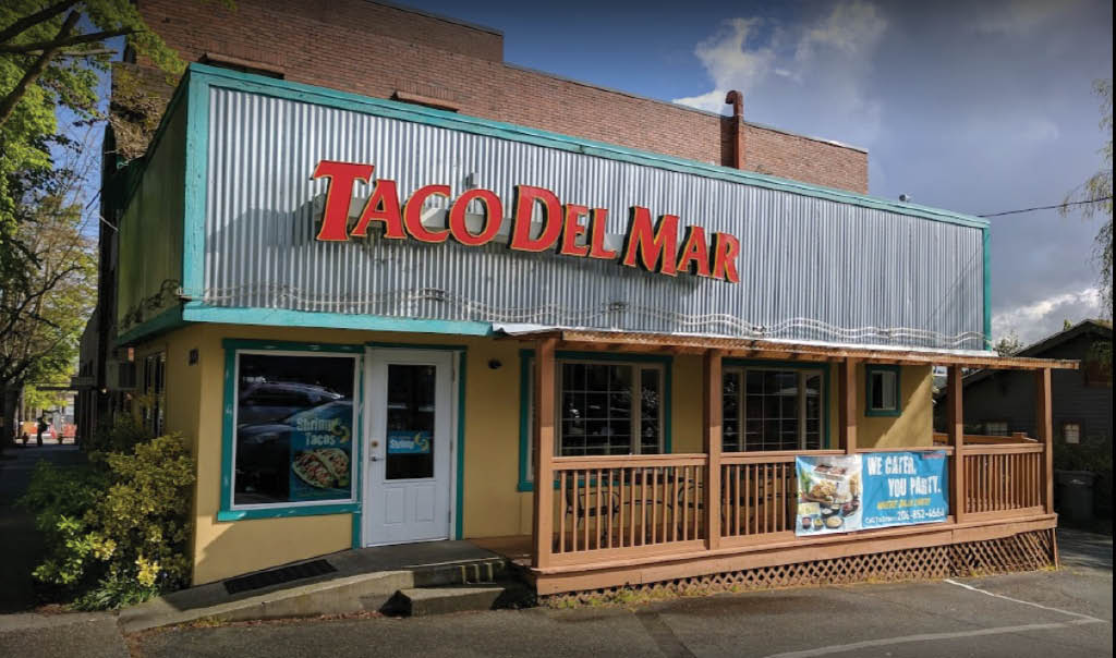 Outside Taco Del Mar in Greenwood, WA - Exterior of Taco Del Mar in Seattle, WA - Greenwood Taco Del Mar - Taco Del Mar near me - Taco Del Mar coupons near me - Seattle Mexican food near me