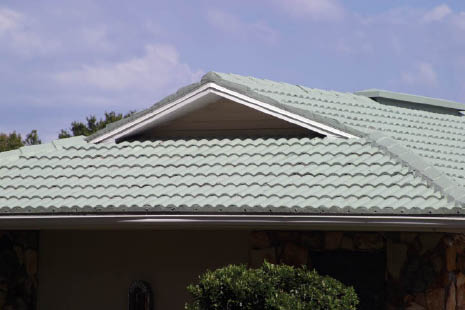 Roofing contractors close to Tampa, FL