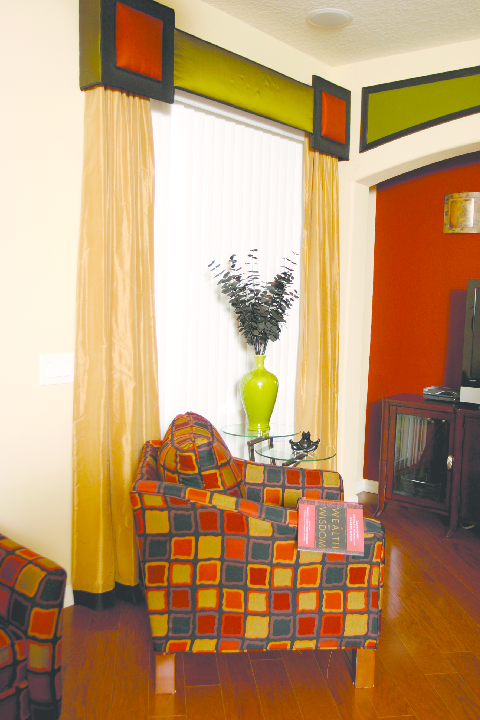 Cashmere-toned grommet top curtain