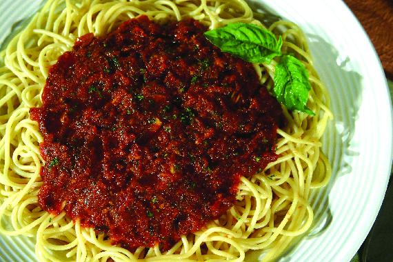 Homemade spaghetti pasta
