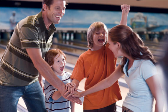 Playdrome-Bowling-and-Recreation-Center-Family-Fun