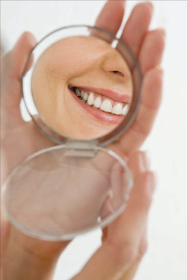 Our cosmetic dentists offer porcelain veneers in Laguna Hills, CA