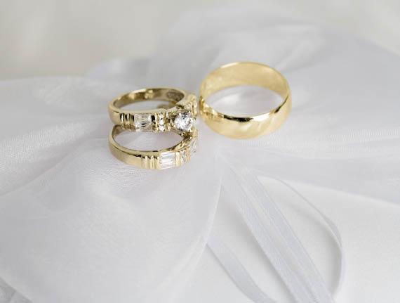diamond studs,tennis bracelets,Bulova,Accutron,charms,pendantsbracelts in aston,19014,jewelry repair in 19014