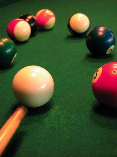 Dominic's Restaurant bar and grill in monrovia maryland pool tables darts and video games.