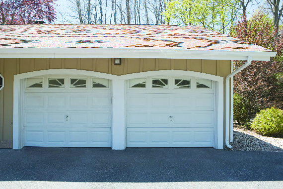 Discount garage door repair in Manatee County