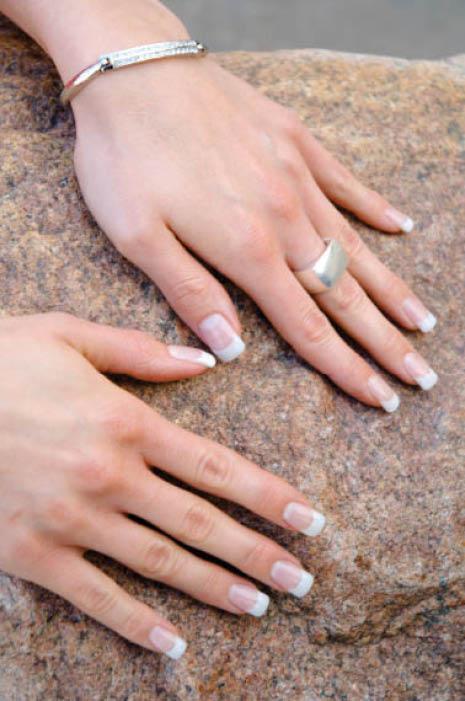 manicure salon Chic Nails & Spa Blue Springs, mo