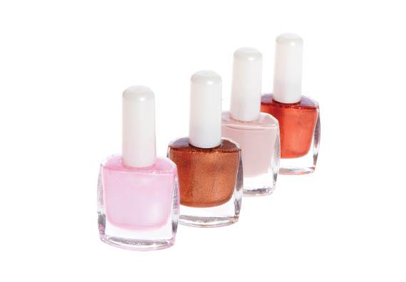 Rachael's Nails & Spa in Des Moines, IA uses quality salon-grade gel nail polish