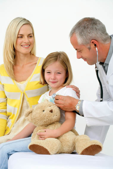 Picture of Dr. caring for little girl at Premier Urgent Care in Westland, MI