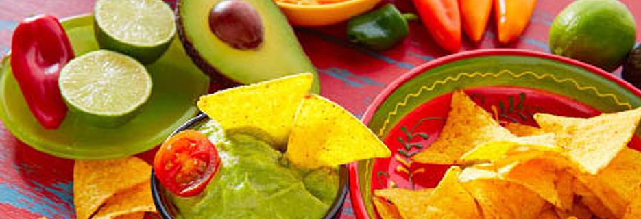 cinco de mayo chips and guacamole photo