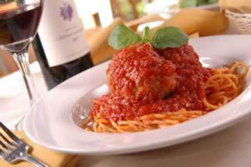 Spaghetti and meatballs at Verrazano's Italian Restaurant in Federal Way, WA - pasta near me - Italian restaurant coupons near me - Italian dining coupons near me