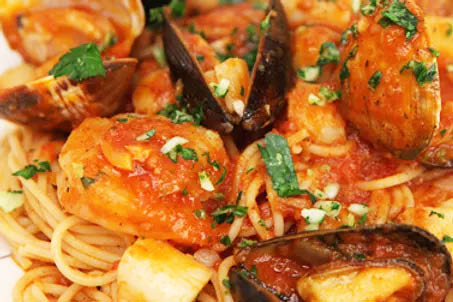 mussels with sauce Pasta Blitz