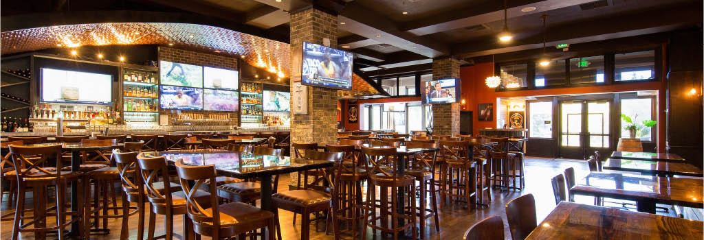 Petes Brewhouse Roseville Bar