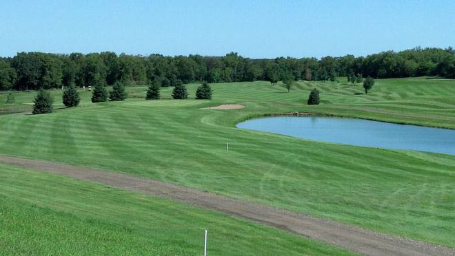 Thirteen ponds to test your golf game throughout the golf course