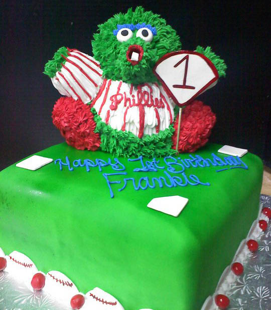JB Bakery is located at 712 south High St. Burlington NJ, we make butter cream birthday cakes, custom designed & special occasion cakes, cheese cakes & pies, italian cookies and connolis.
