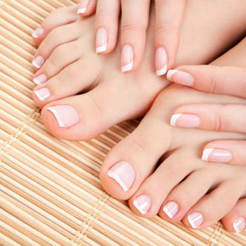 plaza nails, nail salon country club plaza, nail salons in kansas city, manicures plaza, waxing plaza, waxing in kansas city, mani pedi kansas city, mani pedi country club plaza, nail salong the plaza, eyebrow wax kansas city, lip wax country club plaza