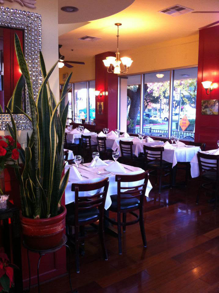 dining area inside Pompeii Ristorante, Los Altos, CA; Italian restaurants San Francisco