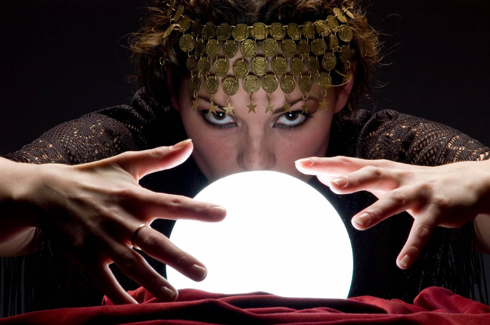 Picture of crystal ball foretelling the future by Psychic Boutique Readings by Jennifer near Jackson, WI