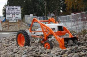 Puyallup Bark Supply tractor - quality landscaping supplies delivered or pick up - Puyallup, WA