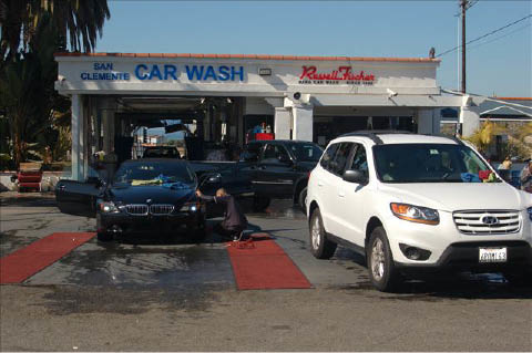 Russell Fischer Xpress a Huntington Beach car wash center