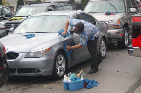 Hand car waxing and auto detailing available in Huntington Beach, CA