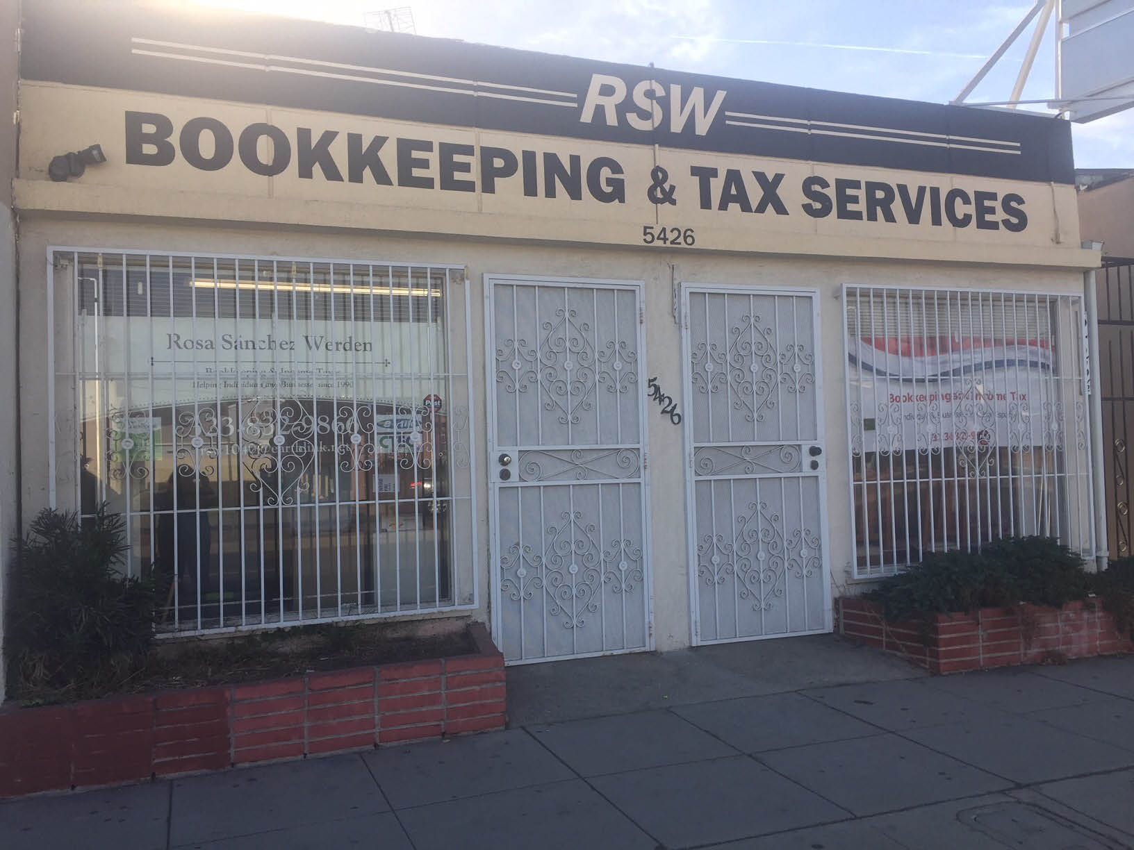 RSW Bookkeeping Tax Service building exterior in Los Angeles