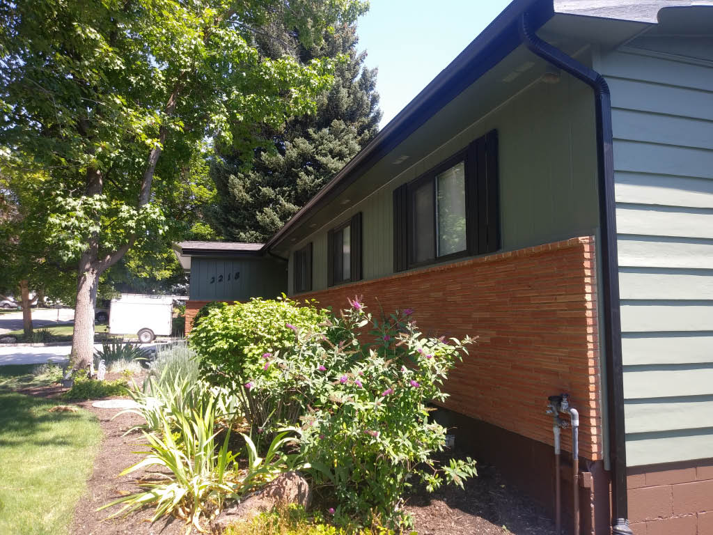 Newly installed seamless gutters
