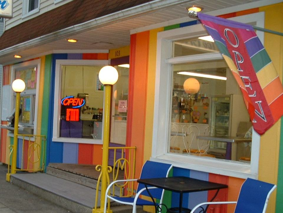 Rainbow Snow & Ice Cream restaurant exterior