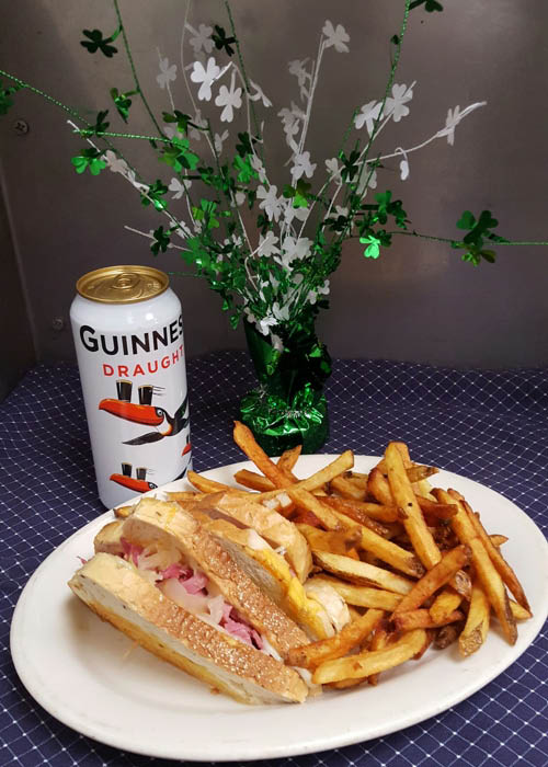 specials, monterey, pass, battlefied, gettysburg, burgers, guinness, reuben, prime rib, shrimp, fries, pub, eatery