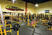 Retro Fitness offers free weights training in our gym