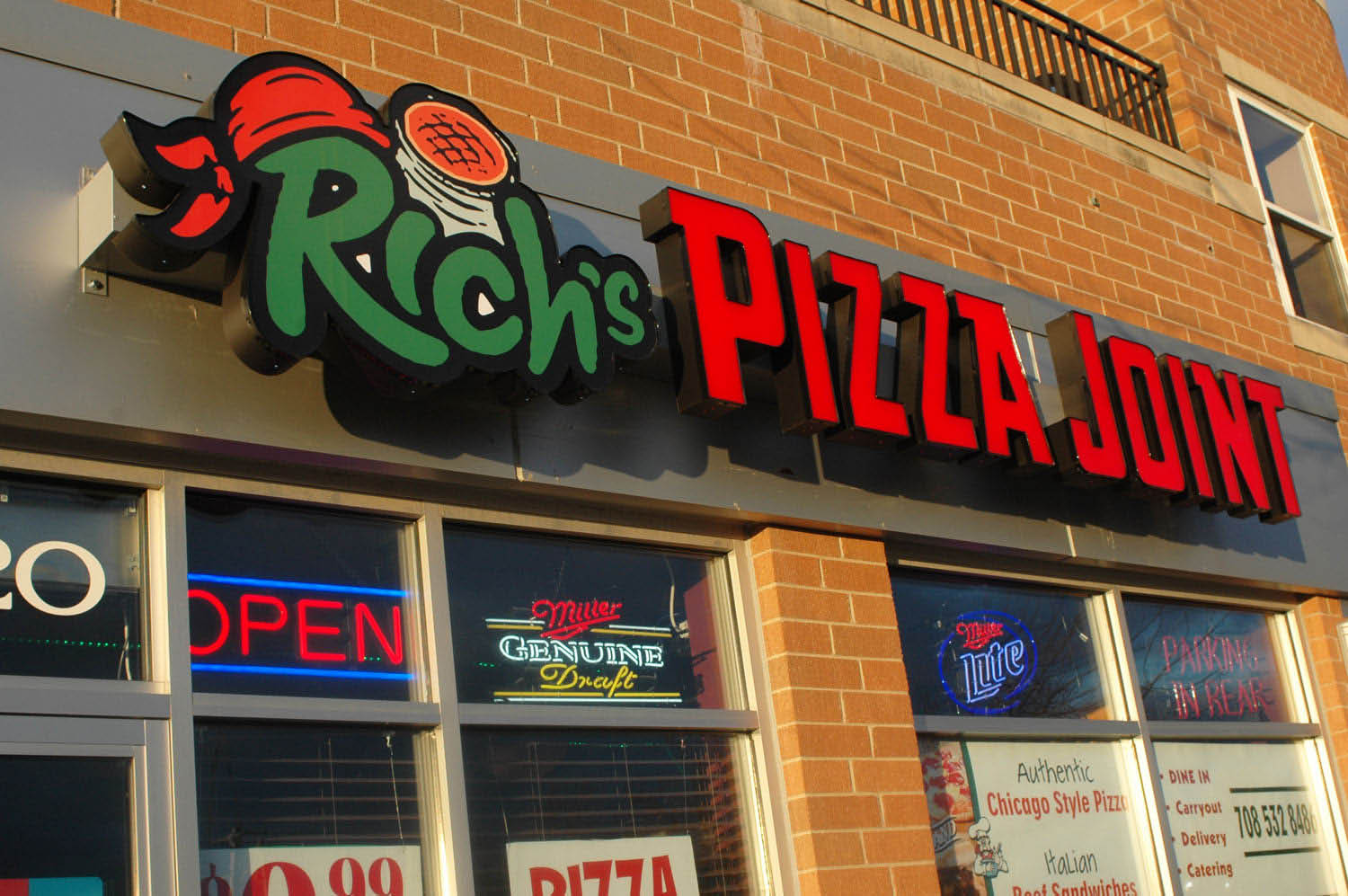 Exterior photo of  Rich's Pizza Joint located in Tinley Park..