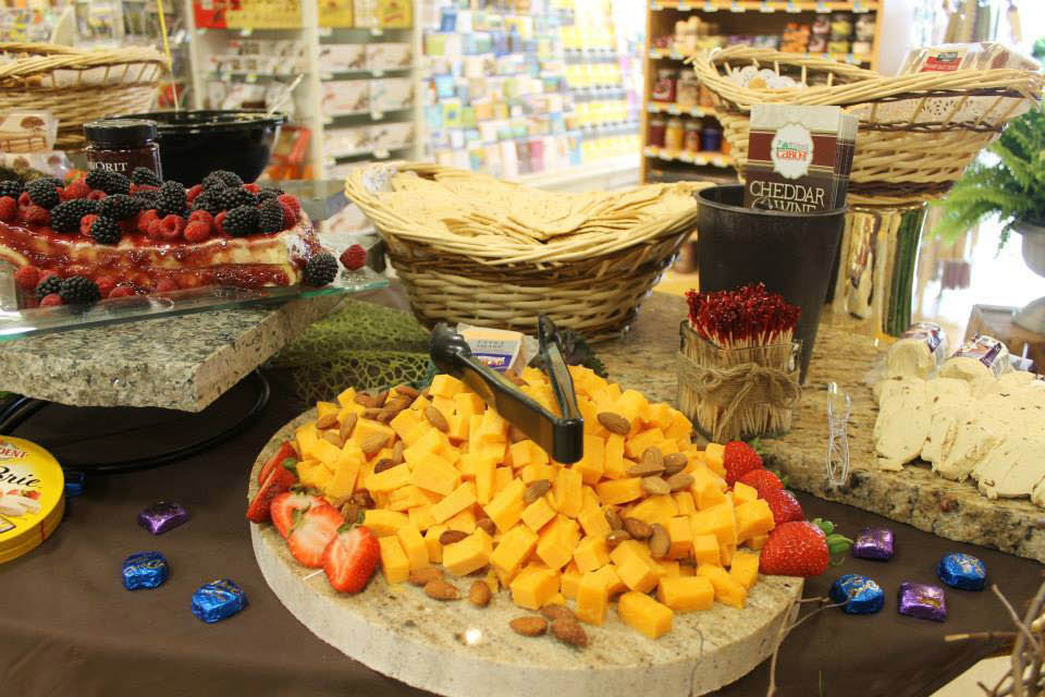 Picture of sample food prepared for customers and offered at Richter's Marketplace in Burlington, WI