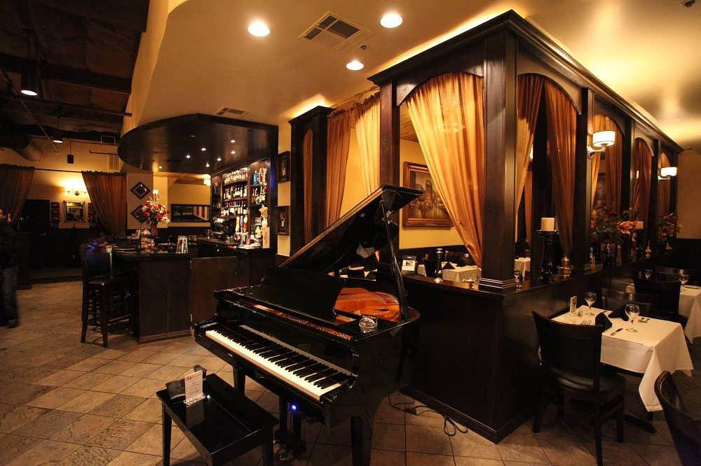 Ristorante Mediterranean has a beautiful grand piano in the bar