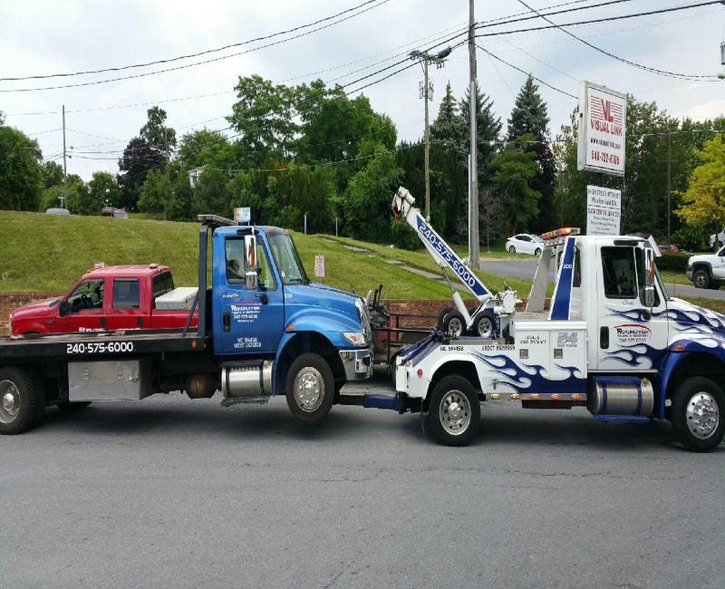 Roadrunner Towing & Recovery, Tow Truck, Towing Services, Accident, Roadside Assistance,