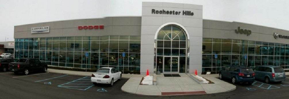 photo of exterior of Rochester Hills Chrysler Jeep Dodge in Rochester Hills, MI